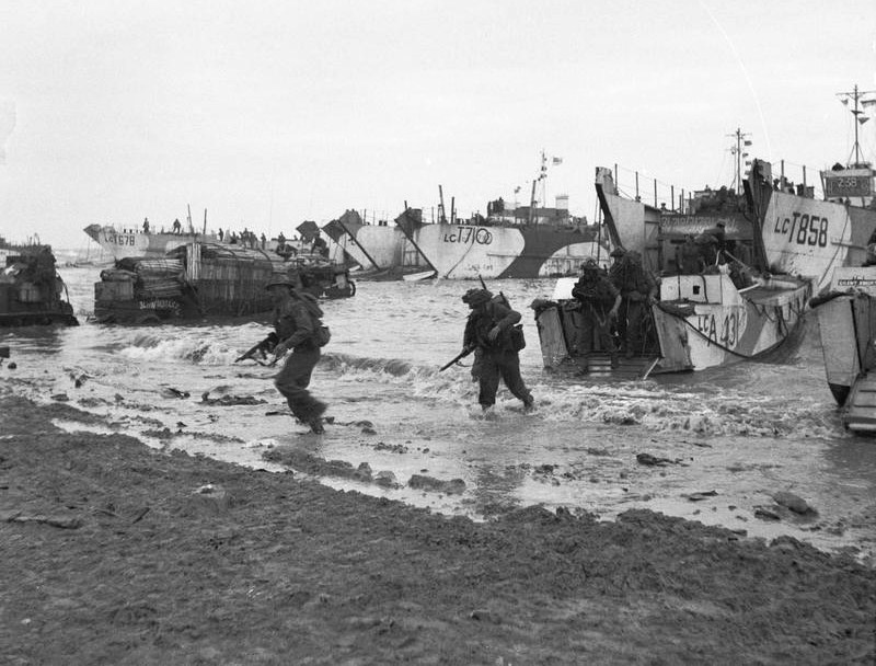 Royal Marines of 47 RM Commando coming ashore on Jig Green beach Gold area 6 June 1944 - 6 No 5 Army Film & Photographic Unit - Photographer Sergeant Midgley - Imperial War Museums image B 5246